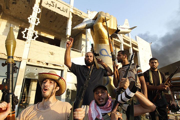 Libyan-rebels-celebrate-a-005