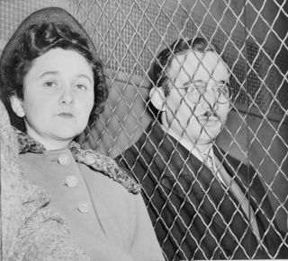 659px-Julius_and_Ethel_Rosenberg_NYWTS